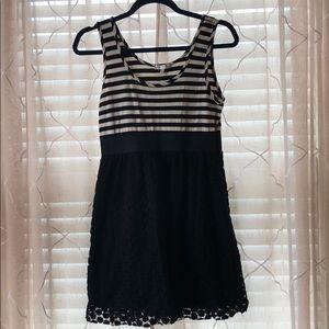 🍍Black & White Lace Dress